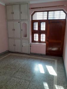Gallery Cover Image of 1000 Sq.ft 2 BHK Independent Floor for rent in Sector 8 for 10500