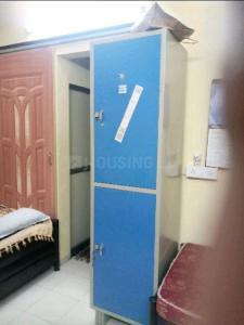 Bedroom Image of Dhiru Bhai PG For Rent in Dadar West