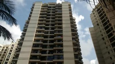 Gallery Cover Image of 960 Sq.ft 2 BHK Apartment for buy in Supreme Lake Primrose, Powai for 21800000