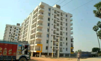 Gallery Cover Image of 1300 Sq.ft 3 BHK Apartment for buy in Khagaul for 1700000
