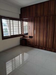 Gallery Cover Image of 1500 Sq.ft 4 BHK Apartment for rent in Adhishthan Apartment, Pallavi Nagar for 22000