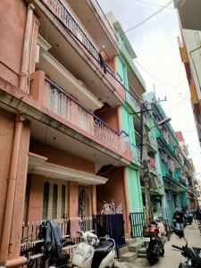 Gallery Cover Image of 375 Sq.ft 1 BHK Independent House for buy in Neelasandra for 5500000