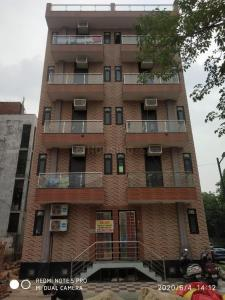 Gallery Cover Image of 450 Sq.ft 1 RK Independent Floor for rent in Sector 54 for 9000