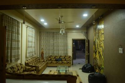 Gallery Cover Image of 3920 Sq.ft 4 BHK Villa for buy in Ghorpadi for 35000000