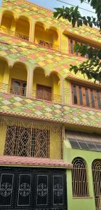 Gallery Cover Image of 4500 Sq.ft 8 BHK Independent House for buy in South Dum Dum for 22500000