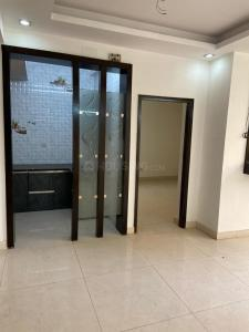 Gallery Cover Image of 1100 Sq.ft 3 BHK Apartment for buy in Paschim Vihar for 13000000