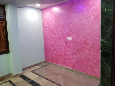 Gallery Cover Image of 1080 Sq.ft 3 BHK Apartment for rent in Pandav Nagar for 22000