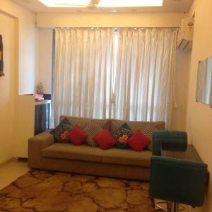 Gallery Cover Image of 500 Sq.ft 1 BHK Apartment for rent in Guruniwas, Jogeshwari East for 38000