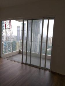 Gallery Cover Image of 2000 Sq.ft 3 BHK Apartment for rent in Lower Parel for 300000