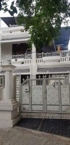 Gallery Cover Image of 4000 Sq.ft 4 BHK Independent House for buy in Jayanagar South for 160000000