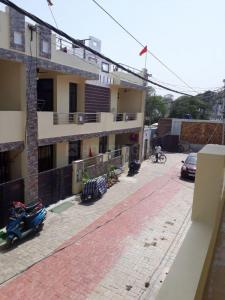 Gallery Cover Image of 1700 Sq.ft 2 BHK Villa for buy in Indira Nagar for 7700000
