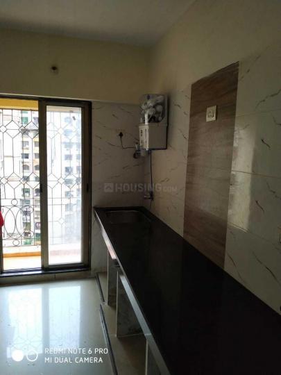 गोरेगांव ईस्ट में मुंबई पीजी के किचन की तस्वीर