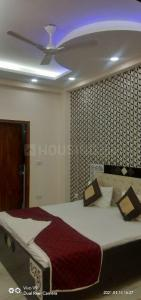 Gallery Cover Image of 1600 Sq.ft 3 BHK Independent Floor for rent in Shakti Khand II, Shakti Khand for 16000