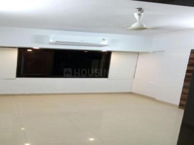 Gallery Cover Image of 1400 Sq.ft 3 BHK Apartment for rent in Malad West for 53000