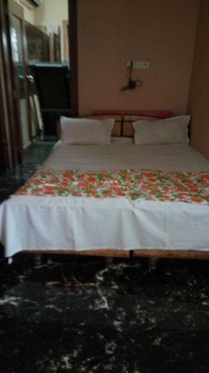 अंधेरी ईस्ट में राज रेसिडेंसी के बेडरूम की तस्वीर