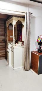 Gallery Cover Image of 890 Sq.ft 2 BHK Apartment for buy in  Muktai Residency, Chembur for 17000000