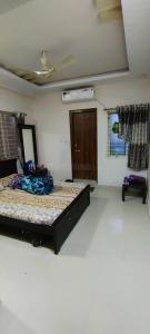 Gallery Cover Image of 1580 Sq.ft 3 BHK Apartment for buy in Toli Chowki for 7500000