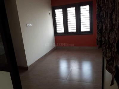 Gallery Cover Image of 2100 Sq.ft 3 BHK Independent Floor for rent in Porur for 27000
