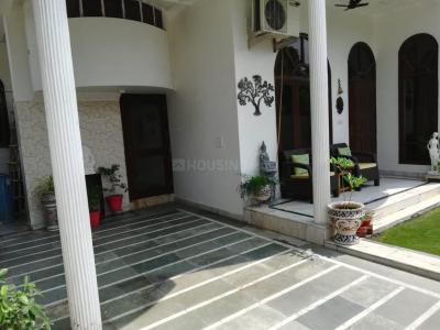 Balcony Image of Ghar in Phi III Greater Noida