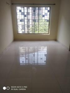 Gallery Cover Image of 600 Sq.ft 1 BHK Apartment for rent in Swastik Residency, Thane West for 14000