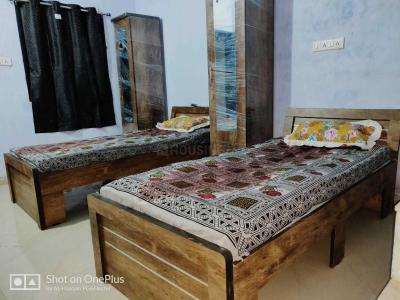 Bedroom Image of Al-hasnain PG in Juhapura