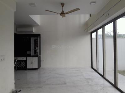 Gallery Cover Image of 3250 Sq.ft 4 BHK Independent Floor for rent in Sector 72 for 65000