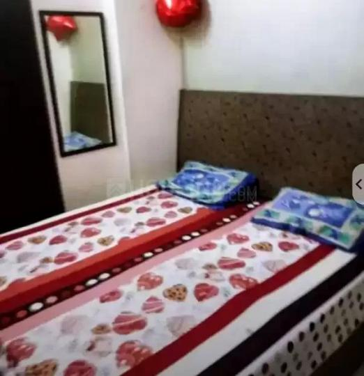शक्ति खंड में रॉयल पीजी में बेडरूम की तस्वीर