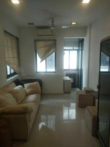 Gallery Cover Image of 900 Sq.ft 2 BHK Apartment for buy in Colaba for 40000000