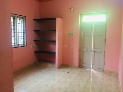 Gallery Cover Image of 700 Sq.ft 1 BHK Independent House for rent in Medavakkam for 7000