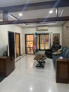 Gallery Cover Image of 2250 Sq.ft 3 BHK Apartment for rent in Banjara Hills for 38000