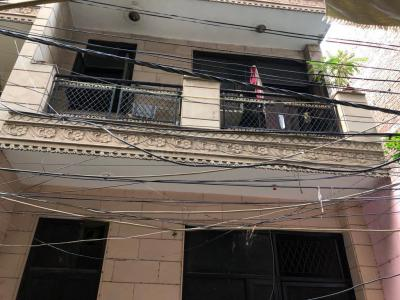 Gallery Cover Image of 950 Sq.ft 2 BHK Independent Floor for buy in Govindpuri for 3150000
