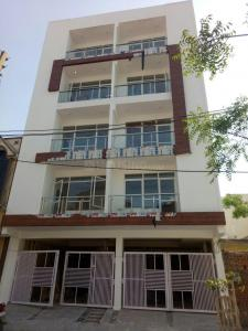 Gallery Cover Image of 600 Sq.ft 2 BHK Apartment for buy in Sector 109 for 2300000