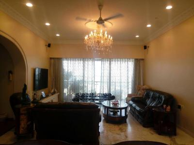 Gallery Cover Image of 2000 Sq.ft 4 BHK Apartment for rent in Cumballa Hill for 240000