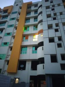 Gallery Cover Image of 1500 Sq.ft 3 BHK Apartment for rent in Mukundapur for 32000