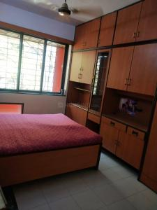 Gallery Cover Image of 340 Sq.ft 1 RK Apartment for rent in Shivaji Raje Complex, Kandivali West for 8000