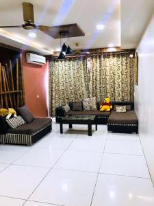 Gallery Cover Image of 2000 Sq.ft 3 BHK Apartment for buy in Prahlad Nagar for 13000000
