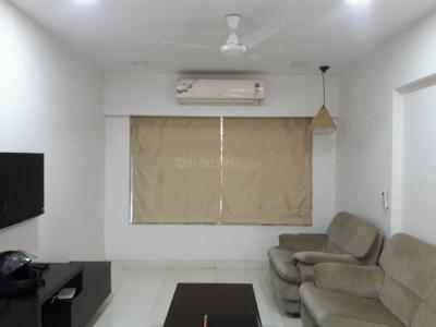 Gallery Cover Image of 850 Sq.ft 2 BHK Apartment for rent in Vile Parle East for 70000