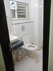 Bathroom Image of Guru Dron PG in Karol Bagh