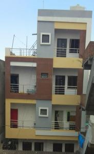 Gallery Cover Image of 1000 Sq.ft 2 BHK Independent Floor for buy in Balanagar for 7500000