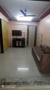 Gallery Cover Image of 575 Sq.ft 1 BHK Apartment for buy in Chembur for 8500000