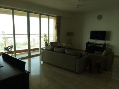 Gallery Cover Image of 3200 Sq.ft 3 BHK Apartment for rent in Lokhandwala Victoria, Worli for 225000