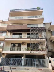 Gallery Cover Image of 1500 Sq.ft 3 BHK Independent Floor for buy in Sector 52 for 15500000