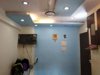 Gallery Cover Image of 600 Sq.ft 1 BHK Apartment for rent in Kandivali East for 27000