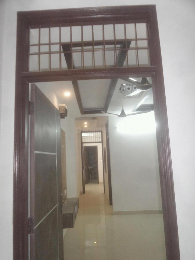 Main Entrance Image of 600 Sq.ft 2 BHK Apartment for rent in Mahavir Enclave for 10000
