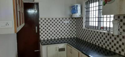 Gallery Cover Image of 1350 Sq.ft 2 BHK Apartment for rent in Karappakam for 17000
