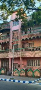 Gallery Cover Image of 3060 Sq.ft 9 BHK Independent House for buy in Salt Lake City for 35000000