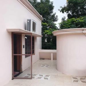 Gallery Cover Image of 4800 Sq.ft 5 BHK Independent House for buy in Madhapur for 45000000