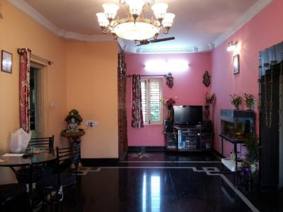 Gallery Cover Image of 1300 Sq.ft 3 BHK Independent Floor for rent in Murugeshpalya for 35000