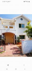 Gallery Cover Image of 2100 Sq.ft 3 BHK Villa for rent in AVS Sunfield Plots, Hosur Municipality for 15000