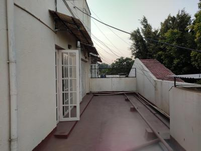 Gallery Cover Image of 1500 Sq.ft 2 BHK Apartment for rent in Domlur Layout for 43000